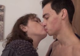 Mature vykouří mladýho kluka