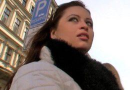 Public Pickups a odchycení milfky na hlaváku
