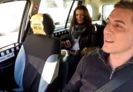 HD Czech Taxi aneb prsatá brunetka se nechá svést
