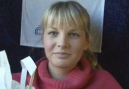 Rychlý prachy a blonďatá Veronika ojetá ve vlaku