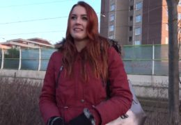 HD Public Agent aneb zrzavá češka Charlie Red E549