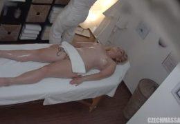 Česká masáž 2 aneb pěkná kozatice potřebuje vymrdat