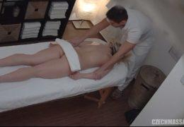 Česká masáž 277 a překvapená blondýnka