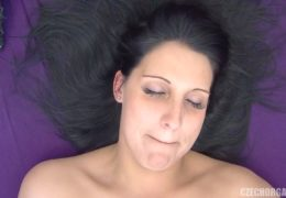 Czech Orgasm 22 aneb brunetka má svoji chvilku pro sebe