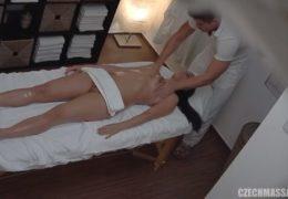 Česká masáž 382 a mladá holčina