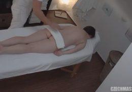 Česká masáž 78 aneb vytahané cecky milfky