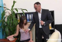 Šukací kancelář aneb přijímací pohovor na místo nové sekretářky