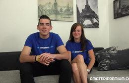 Mladý amatérský pár chce vyzkoušet sex před kamerou