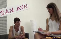 Susan Ayn testuje mladýho nováčka