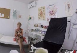 Stará babizna oprcá svého gynekologa