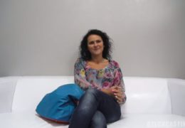 HD CzechCasting čtyřicetiletá mamina z Opavy Iveta 9497