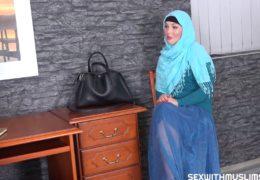 Sex s hezkou muslimkou alias Lovita Fate za protislužbu po rozvodu