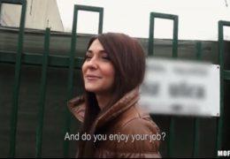Public Pickups aneb Maďarská sexbomba Alexis Brill si zašuká u boxerskýho ringu