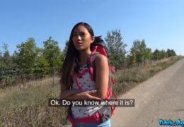 Public Agent uloví ztracenou turistku z Thajska kousek od Prahy