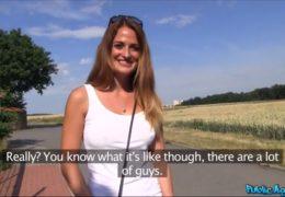 HD Public Agent aneb češka s nádhernýma kozama