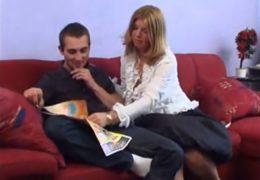 Česká mamina si doma zaprcá s nevlastním synem