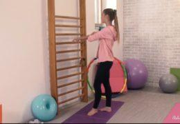 Alexis Crystal se nechá vystříkat nadrženým týpkem ve fitku