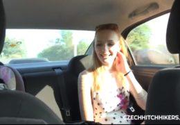 Ošukání sexy blondýny v garáži alias Belle Claire z Tinderu
