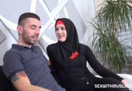 Muslimka chce se svým manželem dítě a tak se jde šukat