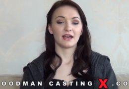 WoodManCastingX aneb Belle Claire si užívá se třema chlapama