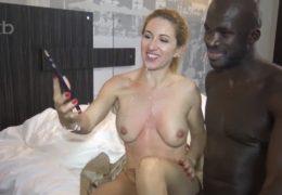 Nadržená nevěrná manželka si na hotel pozve černoškého nabíječe
