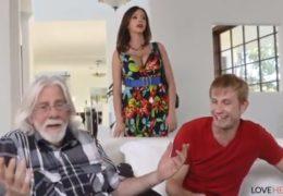 Matka si užije sex a footfetish se synem protože s jeho otcem nic není