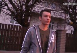 Český gay lovec bolestivě odpaní prdel mladýho kluka