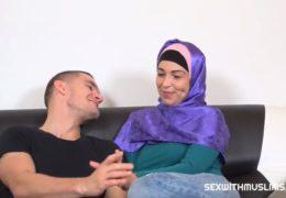 Kozatá muslimka alias Karol Lilien šuká se svým novým manželem