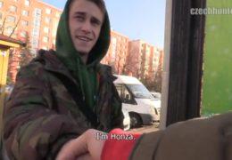 Český gay lovec 390 aneb kluk z Prahy si rád přivydělá