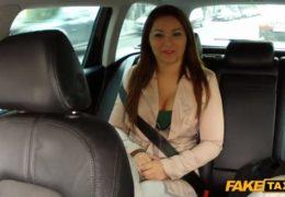 Falešný pražský taxík aneb zmrdání cizinky v autě