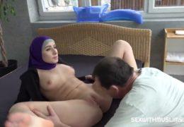 Český voják ošuká svoji muslimskou manželku