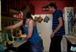 Mladí čeští studenti natáčejí svoje domácí prcáníčko