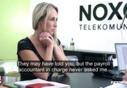 Česká zaměstnankyně si musí vyšukat navýšení svého platu
