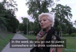 Public agent aneb opíchání sexy ruský lesbičky v autě