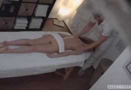 Czech Massage 21 aneb hezká slovenka s melírem se nenechá
