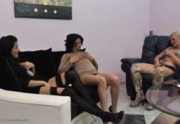 Setkání tří hodně nadržených lesbiček