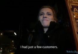 Public agent vošuká zadanou přítelkyní za šek na nákup
