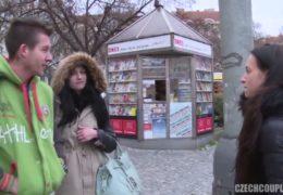 Mladej pražskej pár je ochotnej si jít společně zamrdat