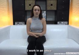 Sexy nezadáná bisexuálka Kristýna vyzkouší casting