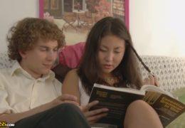 Ruským studentům jde sex podstatně líp než angličtina