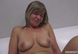 Sexy mamina čtyř dětí si užívá žhavý sex na czechcastingu