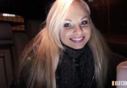 Nádherná česká blondýnka nám odpověděla na inzerát