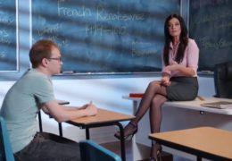 Mladého panice zaučí sexy profesorka