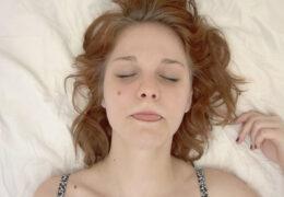 Czech orgasm 26 aneb holka s úzkou kundičkou🤤